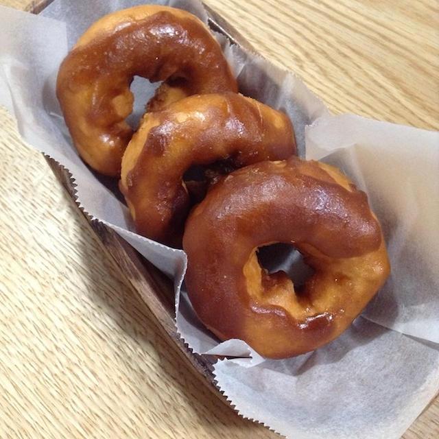 写真を残したい時は揚げる前にも撮っておく 「黒糖ドーナツ」
