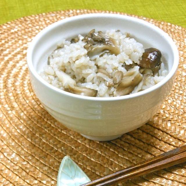 極みつゆで簡単&美味しい〜!香り高い舞茸ご飯。