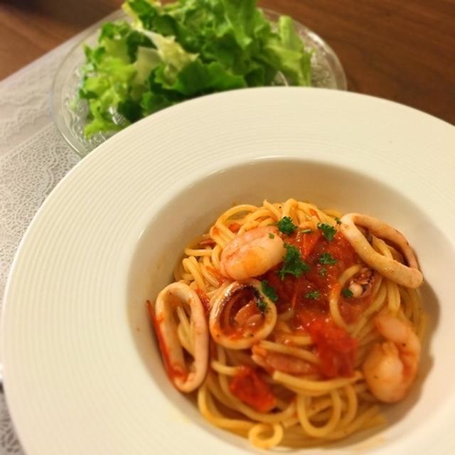 完熟トマトでペスカトーレ♡甘酒食パンと新たなヨーグルト