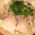 ぶたバラ肉ともやしの蒸し焼き