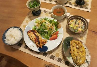 サーモンムニエル&牛筋コンオムレツの晩ご飯 と 何の花でしょうシリーズ2♪