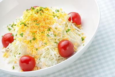 ゆで卵とキャベツのフレンチサラダ