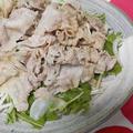にんにくにおわずまろやかぽん酢で作る豚しゃぶサラダ