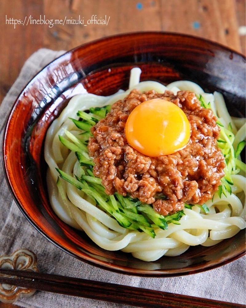 ランチにぴったり!「ひき肉×うどん」の絶品レシピ