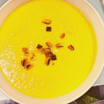 【冬レシピ】小腹も満たす!濃厚カボチャのスープ