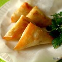 簡単サモサ♪ハーブとチーズ入り~ガラムマサラを使って~