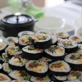 キムパ(韓国海苔巻き)