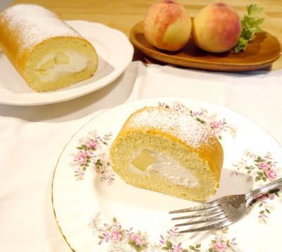 桃のふわふわシフォンロール