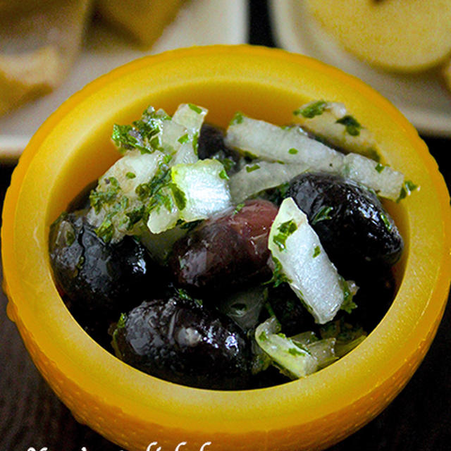 【おせちレシピ】甘〜い煮豆が苦手な方に♡来年も元気に働けますように♪『黒豆のマリネ』《簡単*節約》