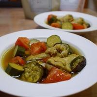 鶏手羽元と夏野菜ののスープ