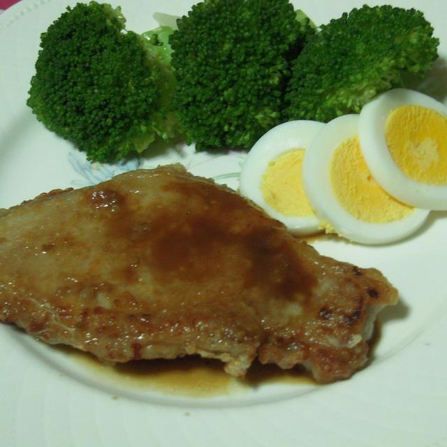 豚ステーキ・柚子胡椒風味ソース
