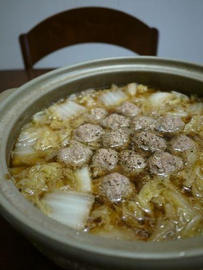 *冬の定番*肉団子と白菜の鍋♪