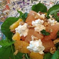 「季節の柑橘とくるみ、カッテージチーズのサラダ」【 塩ジャンレシピ 】。