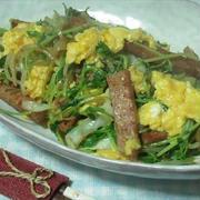 豆苗とミートローフのふわとろ卵ソテー