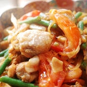 鶏といんげんとトマトのコクうま醤油炒め