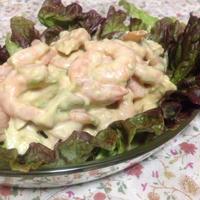 タバスコでエビとアボカドのサラダ