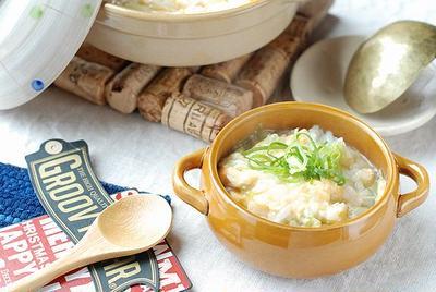 ダイソーで買った土鍋で♬胃に優しい♡白ネギと卵の雑炊