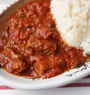 人気のサバ缶トマト缶レシピ。レンジで簡単サバのトマト煮込み