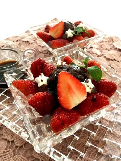 生麩と餡 いちごのバルサミコソース