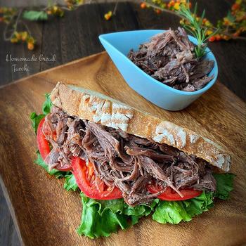 簡単に作れちゃうあると便利なプルドビーフ サンドイッチ