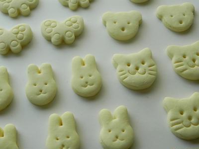 白いクッキーとビスコッティ