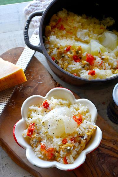一番簡単な和イタリアン♥超簡単♥おだしに新玉ねぎとトマトとあさりとチーズde和イタリアンごはん