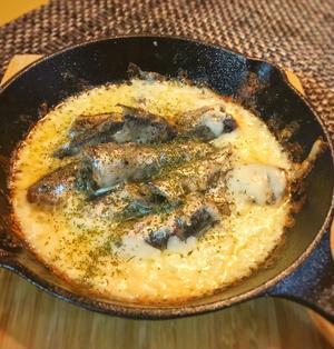 【オイルサーディンのチーズ焼き】とろーり!カリカリチーズが最高!