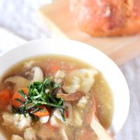 ほんわか身体の芯から温まる♡【たっぷり根菜のあったかスープ】