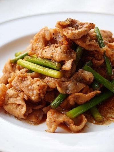 *豚肉とにんにくの芽のペッパースタミナ炒め*