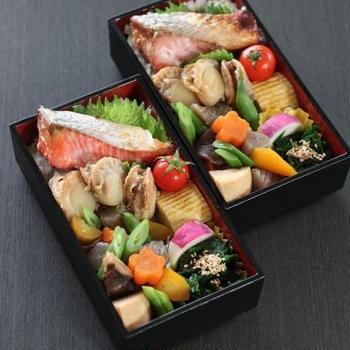 始まりは鮭 ✿ スキレットde焼きカレー(๑¯﹃¯๑)♪