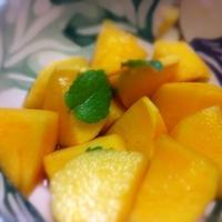 柿のアマレット風味マリネ