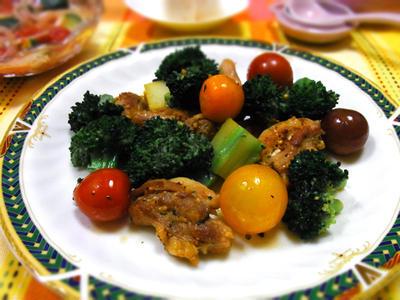 鶏肉と彩り野菜のハーブソテー♪