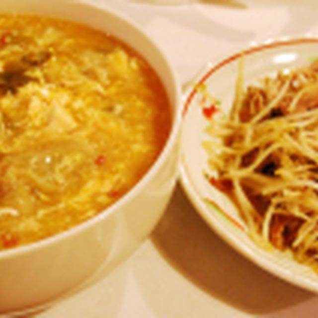 ワンタン入り酸辣湯+モヤシ炒め