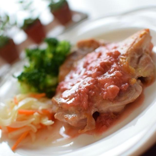 鶏肉のソテー イチゴソース