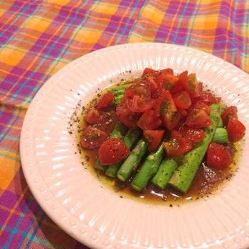 アスパラのグリル バルサミコとトマトのソースがけ