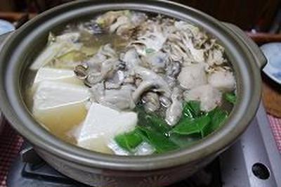 シャンタンと味噌で牡蠣の土手鍋風