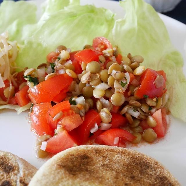 レンズ豆とトマトのサラダ