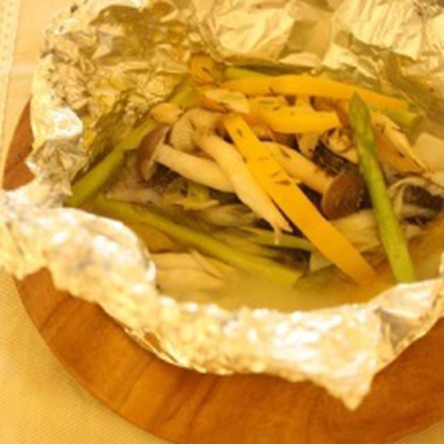 タイムの香り+たらのホイル焼き&リメイク目玉焼きのツナとアボカドサラダ