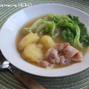 【レシピ】じゃがいもとざっくりレタスのスープ、小松菜とトマトとえのきだけのスープ