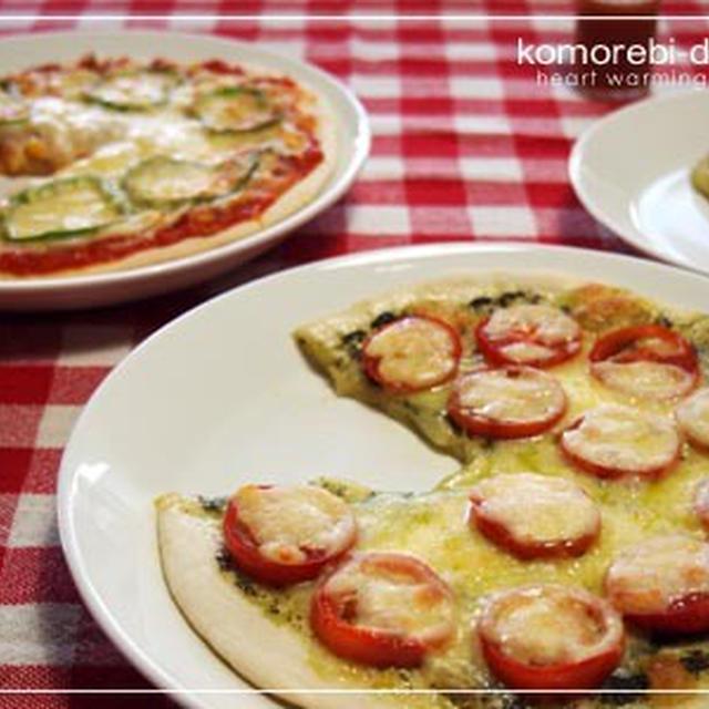 青ジソソースとトマトソースのピザ☆もやしの塩コンブ和え