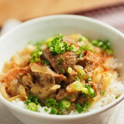 レシピブログ、牛すじ味噌煮込み丼、どて焼き丼