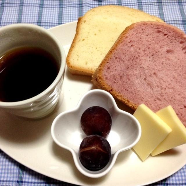 「いちご食パン♪の朝ごはん」