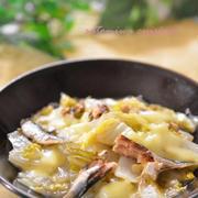 お出汁で作る!白菜とオイルサーディンのチーズ煮込み