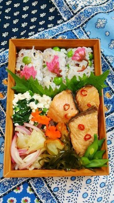 2015/3/30鮭の南蛮照り煮と桜俵むすび弁当 * 最近のお買いもの