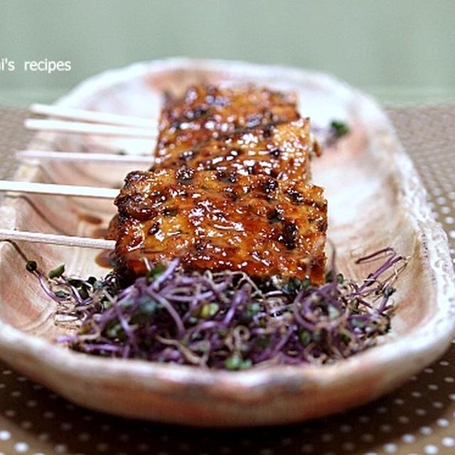 鶏ミンチ肉のペッタン焼きと「ニラとエノキのポン酢醤油炒め」