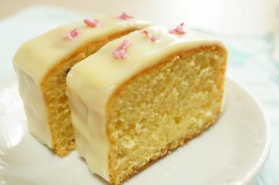 白いパウンドケーキ ~桜風味~