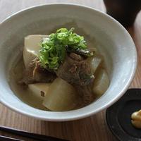 牛すじと豆腐の塩煮込み
