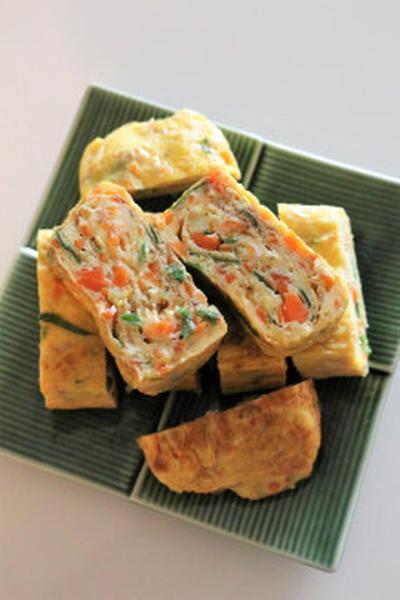 ★たまご焼き(野菜たっぷり韓国風)계란말이。