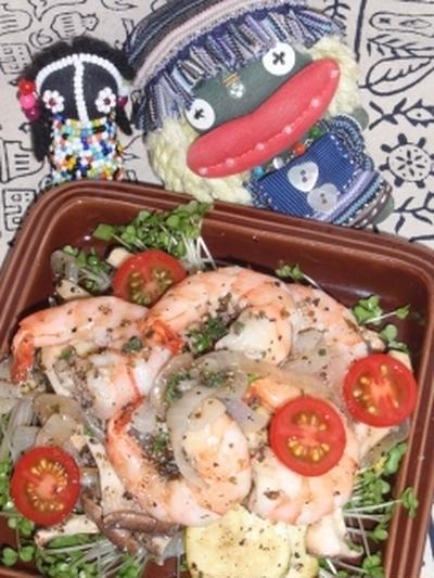 海老とズッキーニのマリネ&ツナとキュウリと茗荷の柚子胡椒サラダ(お家カフェ)