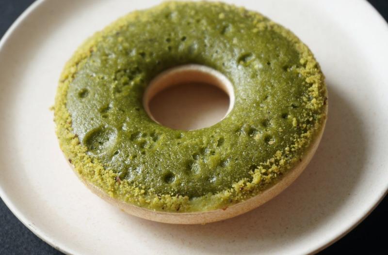 ■「抹茶モナカクッキー」410円(税込)<br>これはドーナツ?いやいや、モナカとクッキーを掛け合わ...